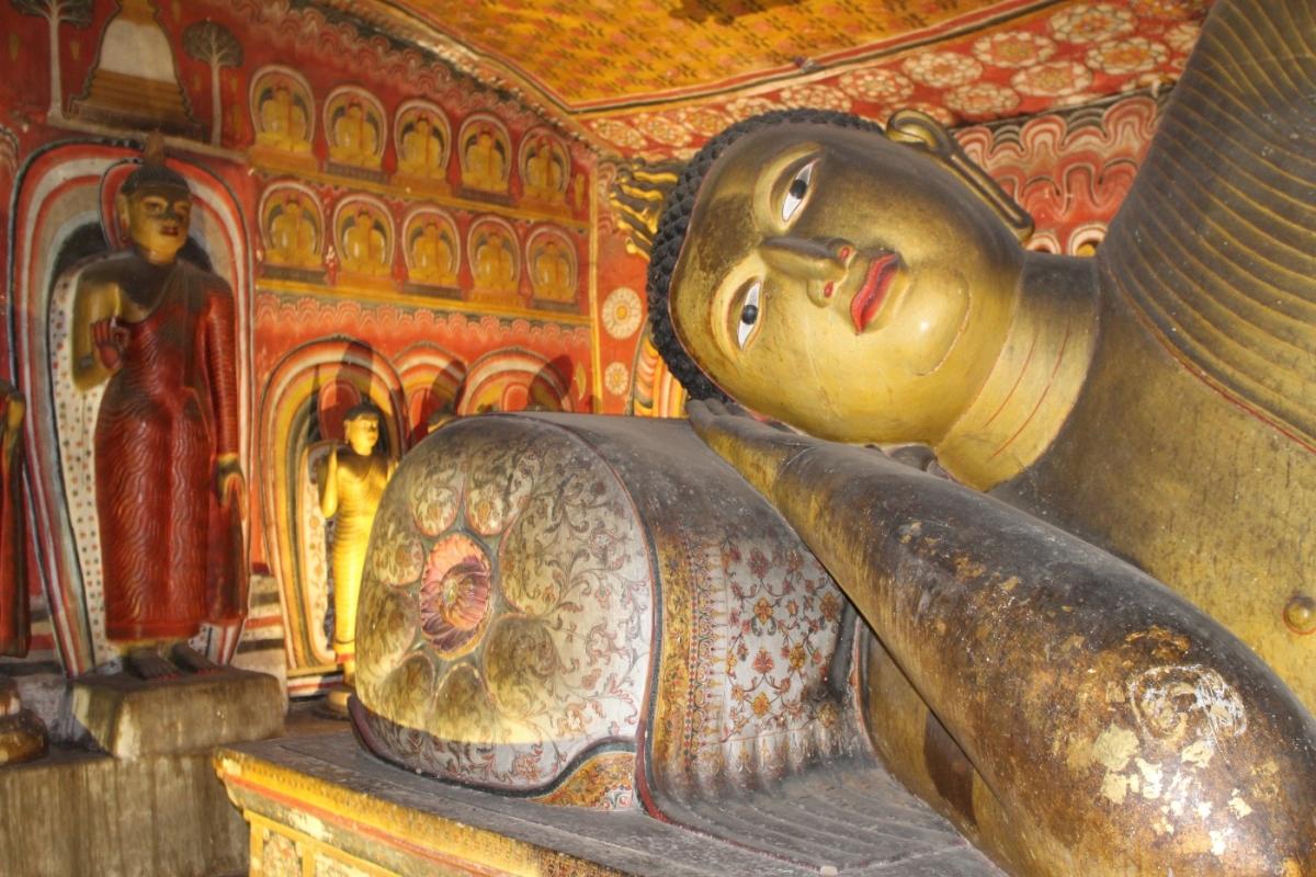 dambulla-cave-temples
